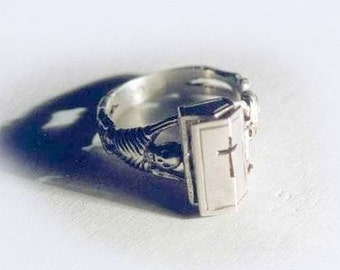 poison ring STEAMPUNK COFFIN RING expert quality, with hinged lid size 9