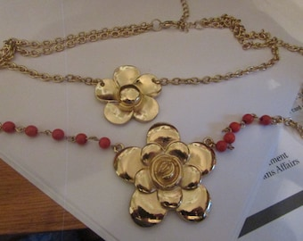 TWO FLOWER NECKLACE