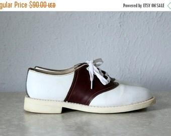 ON SALE Vintage Men's Saddle Shoes .