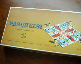 Parcheesi - Vintage board game - 1964 Gold Seal Edition - excellent condition