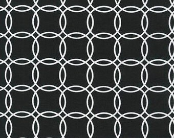Fat Quarter - Metro Living Interlocking Circles Robert Kaufman Fabrics SRK-15081-2 Black