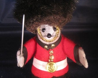 Queens Guard Mouse