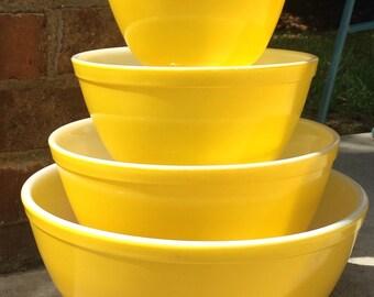 Vintage Pyrex All Yellow Mixing Bowl Set Nesting Bowls