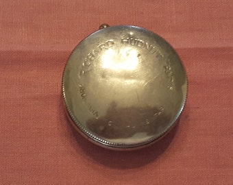 Vintage Richard Hudnut Silver Complimentary Compact New York