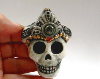 Skeleton Skull with Crown Figurine Ghoul Sculpture Death Mask Day of the Dead