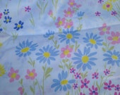 Vintage pretty flowered sheet FULL sized flat