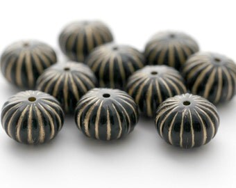 Acrylic Black Gold Fluted Chubby Saucer Beads 18mm (10)