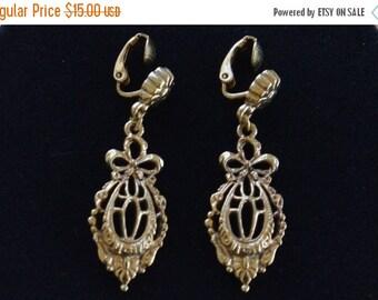 On sale Pretty Vintage Gold tone Fiigree Clip Earrings