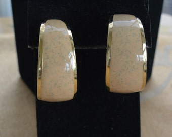 Pretty Vintage Cream Enamel Hoop Pierced Earrings, Gold tone (X3)