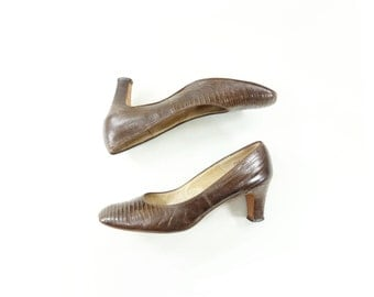 60s Lizard Shoes, Vintage Brown Pumps, Alligator Lizard Shoes, Brown Lizard Shoes, 60s Leather Pump, 60s Vintage Heel, Brown 60s Heel, 7.5
