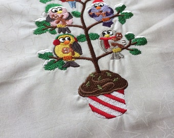 Christmas Sweets - embroidered quilt block - tweet with cupcakes / birds