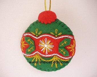 Christmas ornament - green and red felt decoration - wall decor