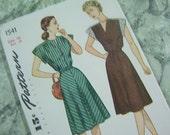 Pattern - Women's One Piece Dress - Simplicity 1541