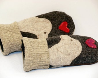 Golden Retriever Mittens Labrator Wool Sweater Mittens   Eco Dark Grey Cream and Brown Fleece Lining Leather Palm Eco Friendly Size S/M