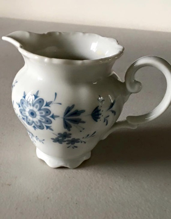 vintage pitcher seltmann weiden bavaria germany theresia rose. Black Bedroom Furniture Sets. Home Design Ideas