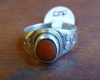 Nepalese 'cloud' design ring with coral