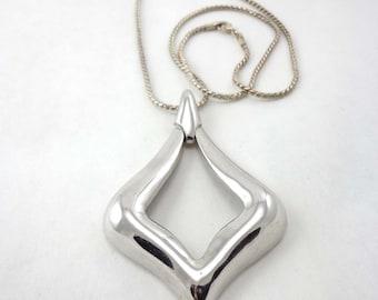 """Silver Necklace Vintage Crown Trifari 24"""" Chain Pendant Large 730"""