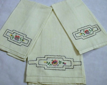 Vintage Linens with Hand Embroidery, Set of three, Purple flowers, Vintage Tea Towel, Fingertip Towels,