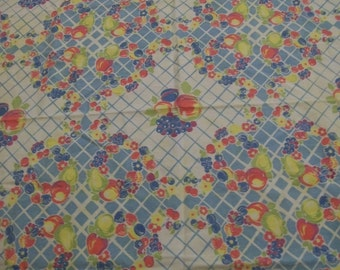 Vintage Tablecloth, Colorful Tablecloth, 1950s Tablecloth, Vintage Tablecloth with Colorful Fruit, Tablecloth with red blue yellow fruit