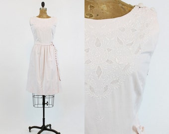 50s Dress Cotton Medium / 1950s Vintage Soft Pink Embroidered Dress / Summer Blush Dress