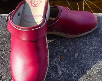 Retro Red Leather Hanna Andersson Leather Clogs 1970s Sweden