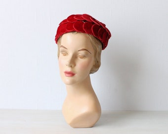 Vintage 1960s Red Pillbox Hat / 60s Hat / Cranberry