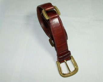 Women's Classic Brown Leather FOSSIL Sectioned Belt Size Medium 1079GA
