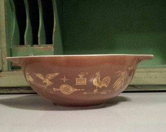On Sale PYREX 'Early American' Pattern ~ 444 ~ Brown with gold-leaf pattern ~ 4 qt. ~ Cinderella Mixing Bowl