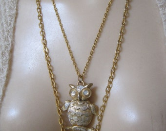 Vintage goldtone white owl pendant necklace, articulated white washed goldtone pendant double chain necklace, 2 nesting chains owl pendant
