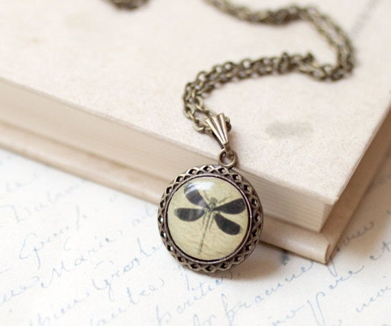 Dragonfly necklace - Dragonfly Pendant - Dragonfly charm - Insect necklace - Nature jewelry - Retro necklace - Vintage necklace (N055)