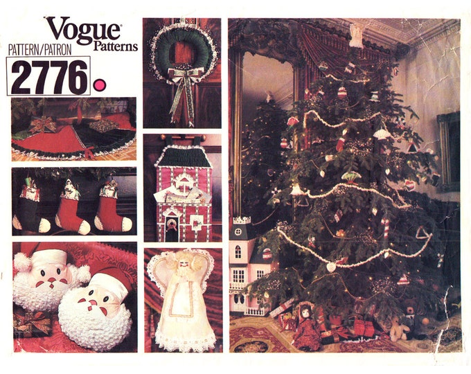 Holiday Decor Pattern Vogue 2776 Christmas Ornament Stocking Tree Skirt Wreath Santa Pillow