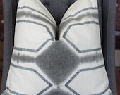 Gray Geometric Pillow, Metallic Silver, Decorative Pillow, Geometric Pillow, Gray Pillow, Throw Pillow, Home Decor, Home Furnishing