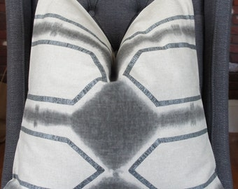 Gray Geometric Pillow, Metallic Silver, Decorative Pillow, Geometric Pillow, Gray Pillow, Throw Pillow, Home Decor, Home Furnishing