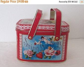 ON SALE Vintage Valentines Lunchbox Tin