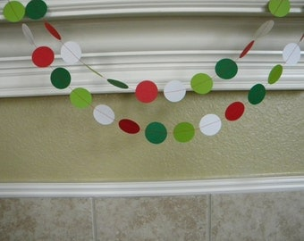 Red Greens White Paper Circle Garland, Christmas Wedding Garland, Photo Booth Prop, Holiday Party Garland, Birthday Party Decor