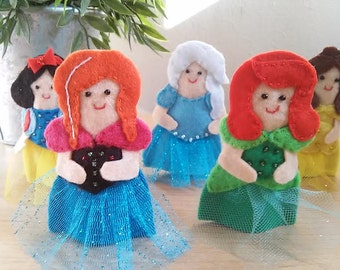 princess toy story Anna Elsa Bella Snow white Ariel puppet fingers
