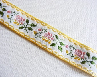 "Vintage 1950's Embroidered Trim 15/16"" Pastels on White"