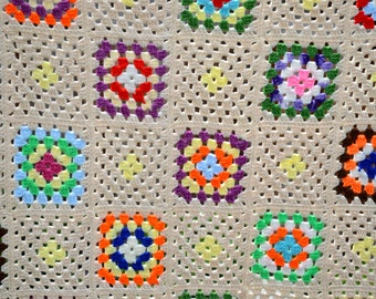 Vintage Crochet Knit Blanket - Granny Squares Throw - 47 x 66