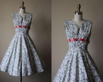 50s Dress - Vintage 1950s Dress - Grey Ivory Red Rose Print Cotton Shelf Bust Sundress S - Glacial Erratics Dress