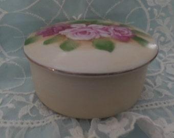 Beautiful Vintage Porcelain China Trinket Jewelry Box Powder Box Vanity Handpainted