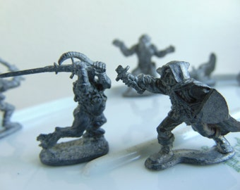 10 Vintage Dungeons and Dragons Miniature Gaming Lead Figures RAL PARTHA