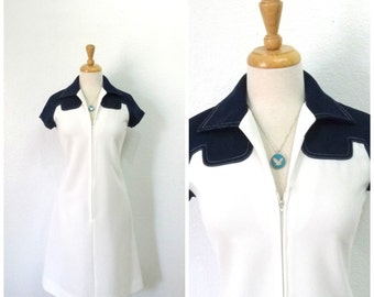Vintage 70s dress Leslie Fay, White Navy blue Zipper front shift dress Small