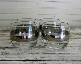 Vintage 1960s Silver Band Roly Poly Glasses, Dorothy Thorpe Style Roly Poly Tumblers, 1960s Mad Men Style Barware, Wiskey Tumblers, Glasses