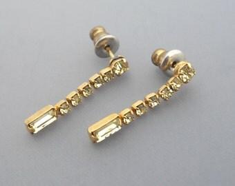 Peridot Rhinestone Earrings, Light Green Earrings, Yellow Earrings, Peridot Colored Earrings, Spring Earrings, Easter Earrings