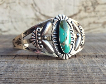Vintage Fred Harvey Era cuff sterling silver Carico Lake turquoise bracelet, early 20th Century Southwest Native American inspired cuff