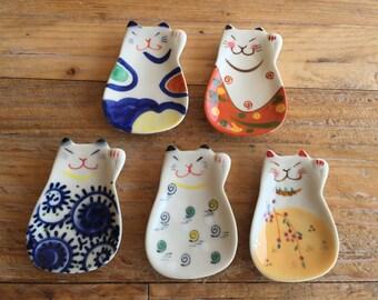 New-Handmade Japanese Beckoning cat small Ceramic Tray / Chopstick Rest