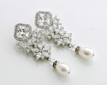 Bridal Earrings Pearl, Bridal Jewelry, Crystal Pearl Wedding Earrings, Pearl Drop Earrings, Swarovski Wedding Jewelry, Laci Earrings