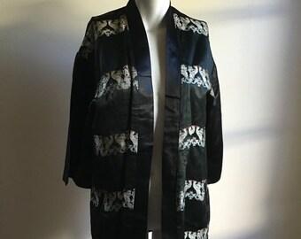 ON SALE 50s 60s Vintage Black Silk Jacket • Open Jacket • Chinese Silk • Free Size