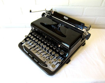 Black Royal Quiet Portable Typewriter - Eloise - Professionally Serviced