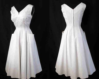 Lovely 1950's pearly white party cocktail dress shelf bust with rhinestones rockabilly pinup girl vintage chic Size Small